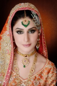 pakistani-bridal-jewelry-trends-2013-1-199x300