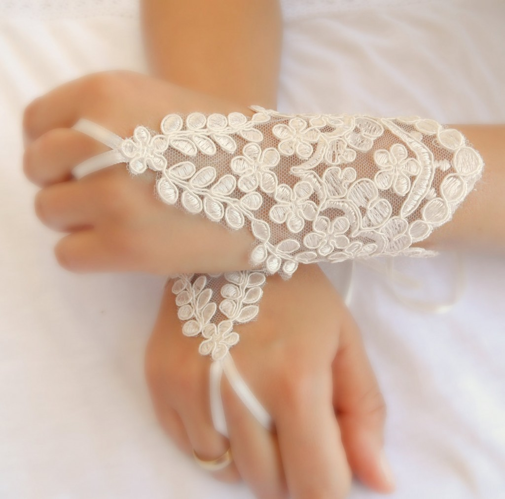 Bridal Gloves Enhance Your Elegance!