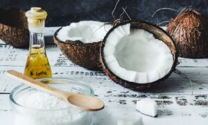 The Secret Of Hair & Skin Beauty In Coconut Oil