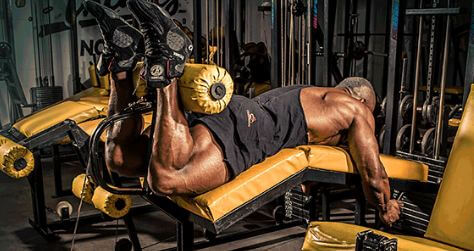 Effective leg curl method Explains how to train your thighs at home