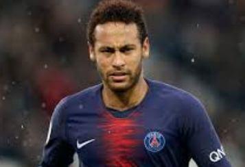 Neymar broke Ronaldo's record